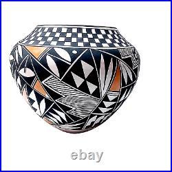 Native American Acoma Pueblo Pottery hand made by artist T. Garcia-Salvador N. M