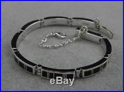 Native American Made Contemporary NAVAJO Sterling Silver and JET Link Bracelet