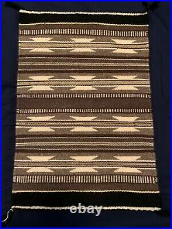 Navajo hand made authentic Native American Wool Rug Textile 2 Grey hills design