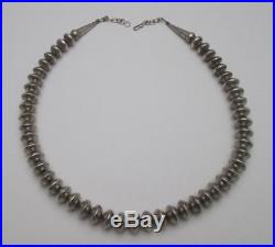VINTAGE NAVAJO BENCH MADE STERLING SILVER DISC GRADUATED BEAD NECKLACE, 79gm 20