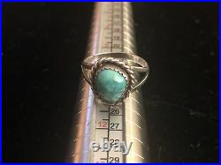 Vintage Native American Navajo Made Sterling Silver & Turquoise Ring Size 7