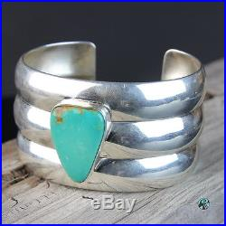 Vintage Navajo Turquoise cuff Sterling Silver Bracelet. 925 Native American made