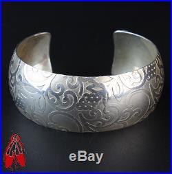 Vintage Navajo backside red coral cuff bracelet sterling silver. 925 Native made